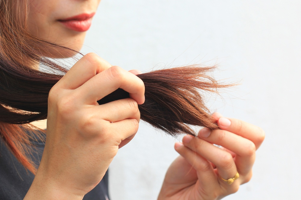woman with split ends in her hair